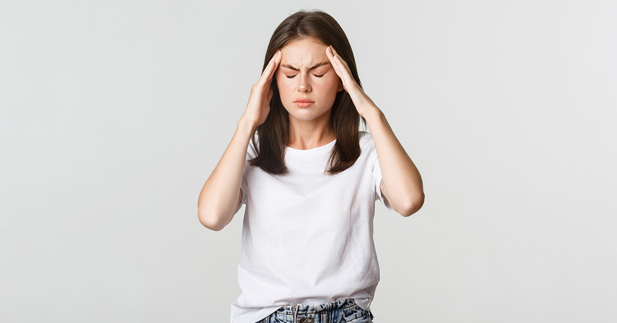 Fique atento: fortes dores de cabeça, febre e rigidez na nuca podem indicar meningite